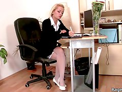 Office slut takes angry poundi