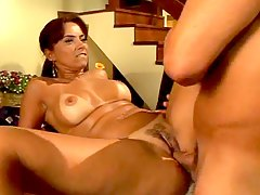 Latina with tempting curves bo