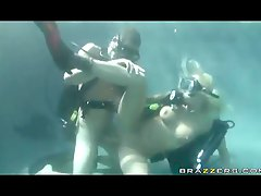 Scuba diving chick fucked in t